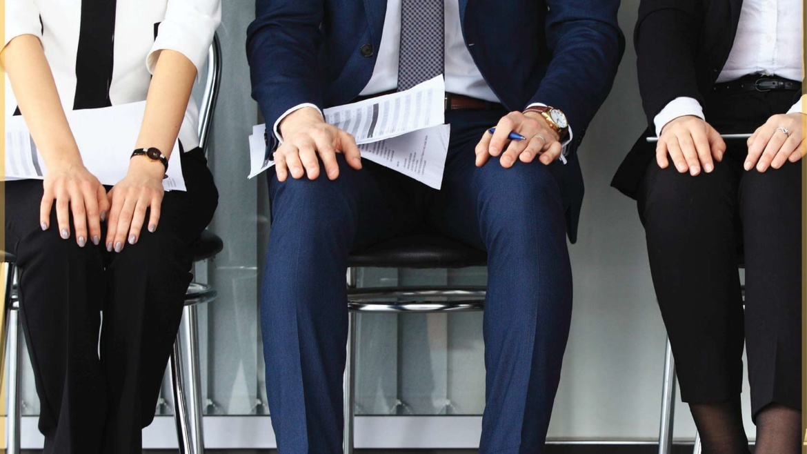 4 THINGS TO REMEMBER WHEN DRESSING UP FOR INTERVIEW